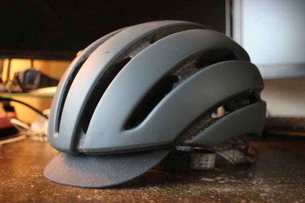 GIROのヘルメットAspectの外観