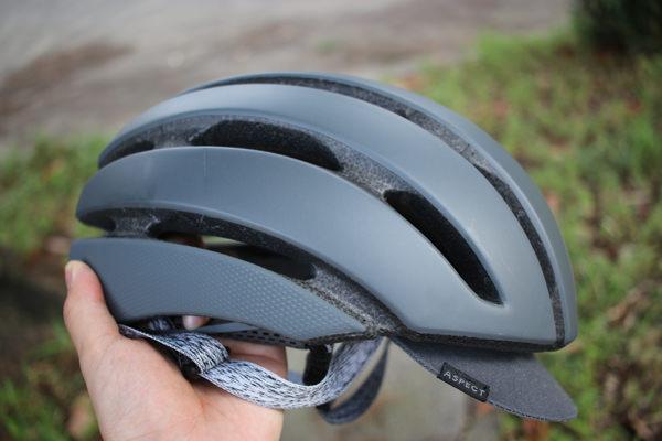 GIROのヘルメットAspectお洒落で気に入った