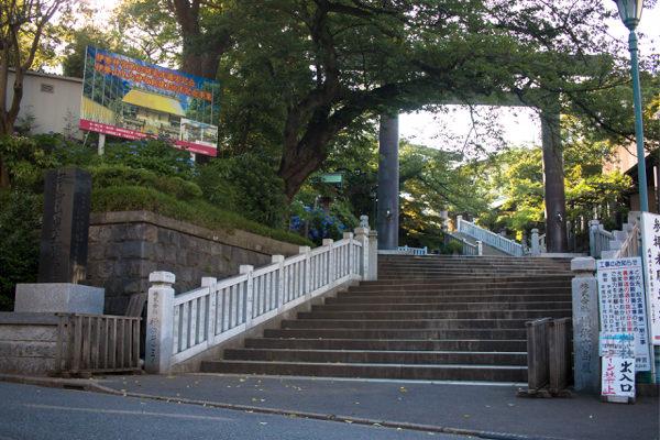 伊勢山皇大神宮の階段