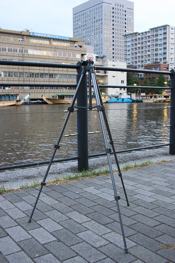 Amazon限定Fotopro三脚の脚を伸ばした状態