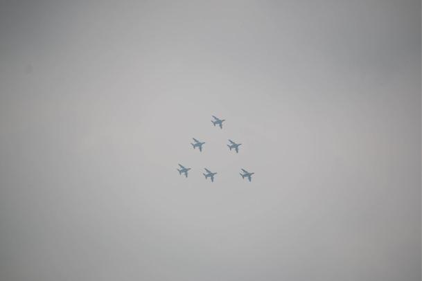 ブルーインパルス編隊飛行ピラミッド