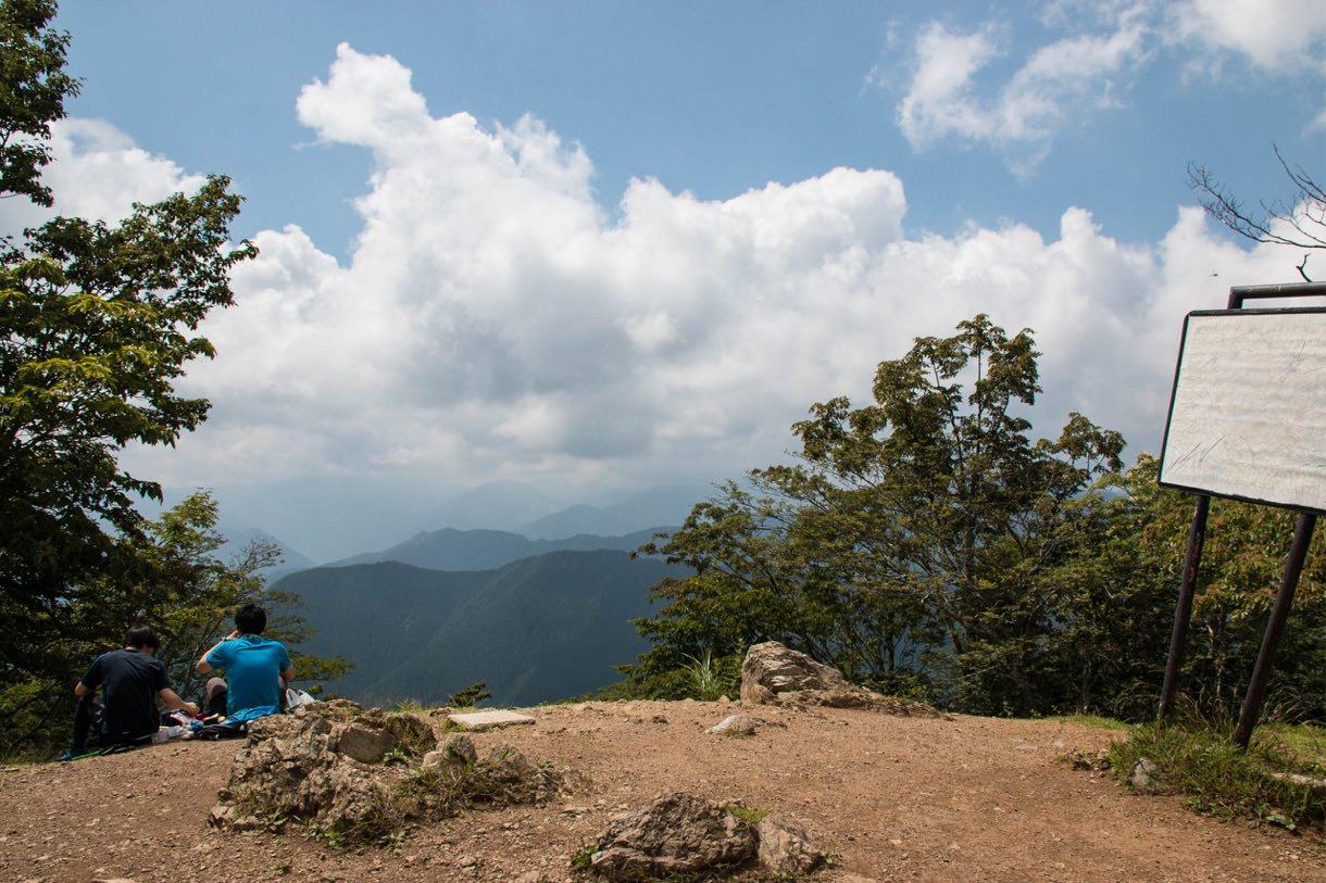 川苔山の山頂