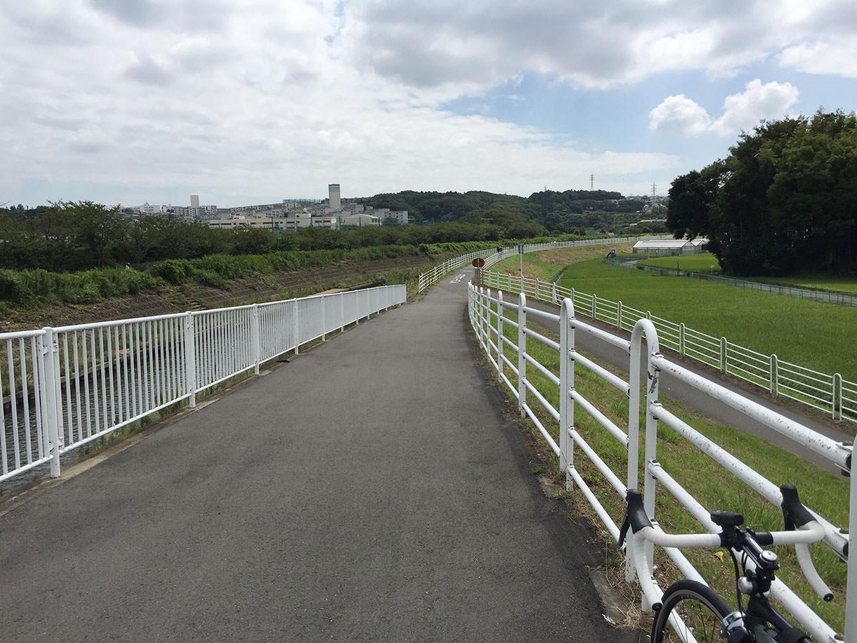境川サイクリングロードの風景