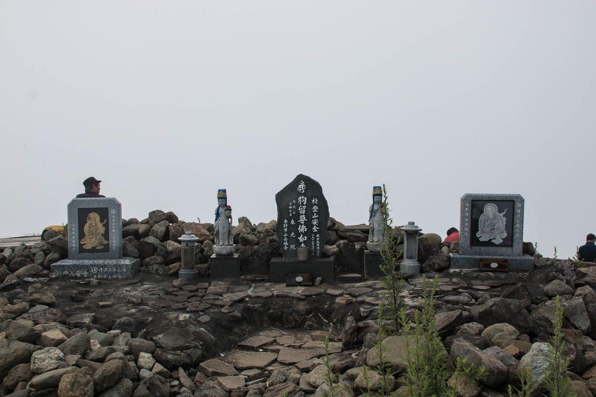 塔ノ岳の仏像など