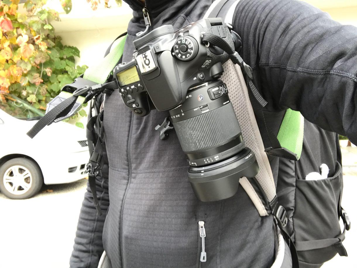 PeakDesignのカメラキャプチャークリップを右から見る