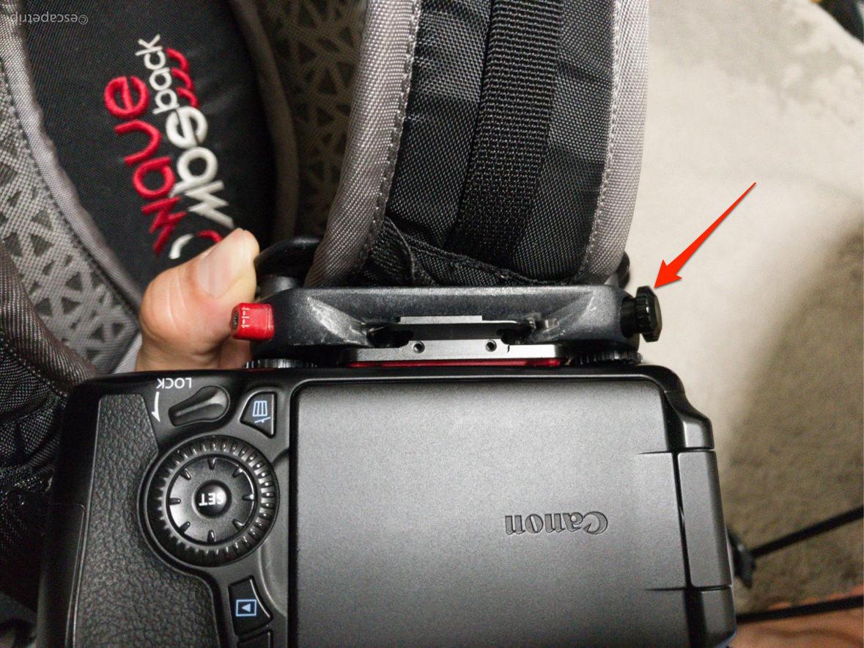 カメラを固定できる黒ネジ