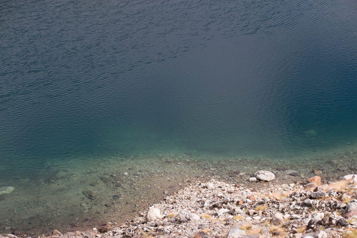 ミクリガ池の水のアップ