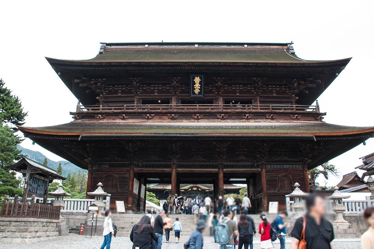 善光寺の山門(三門)