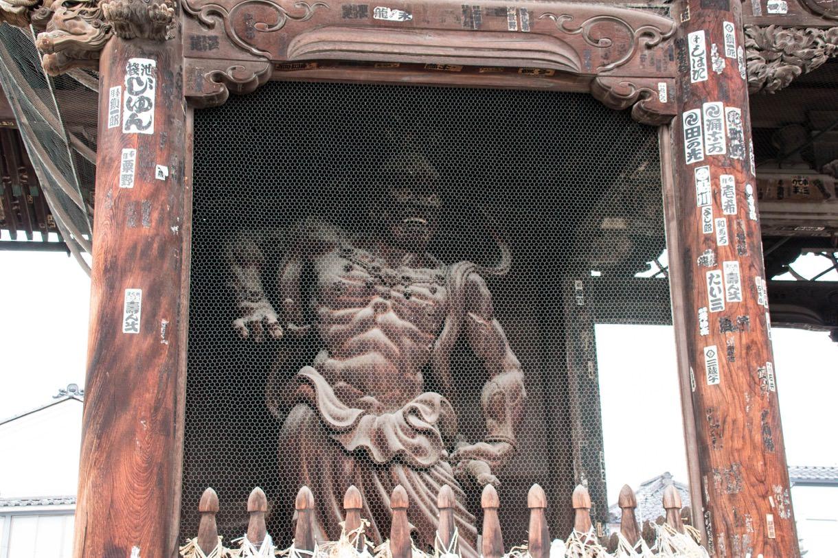 善光寺の金剛力士像