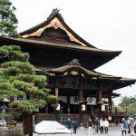 長野駅から徒歩でも行ける近さ「善光寺」に行ってきた