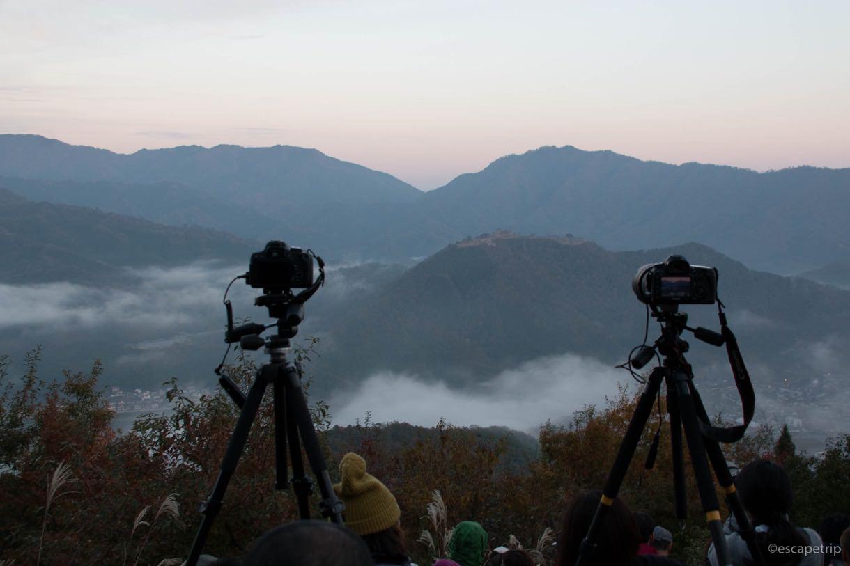 徐々に雲海が出て来る竹田城