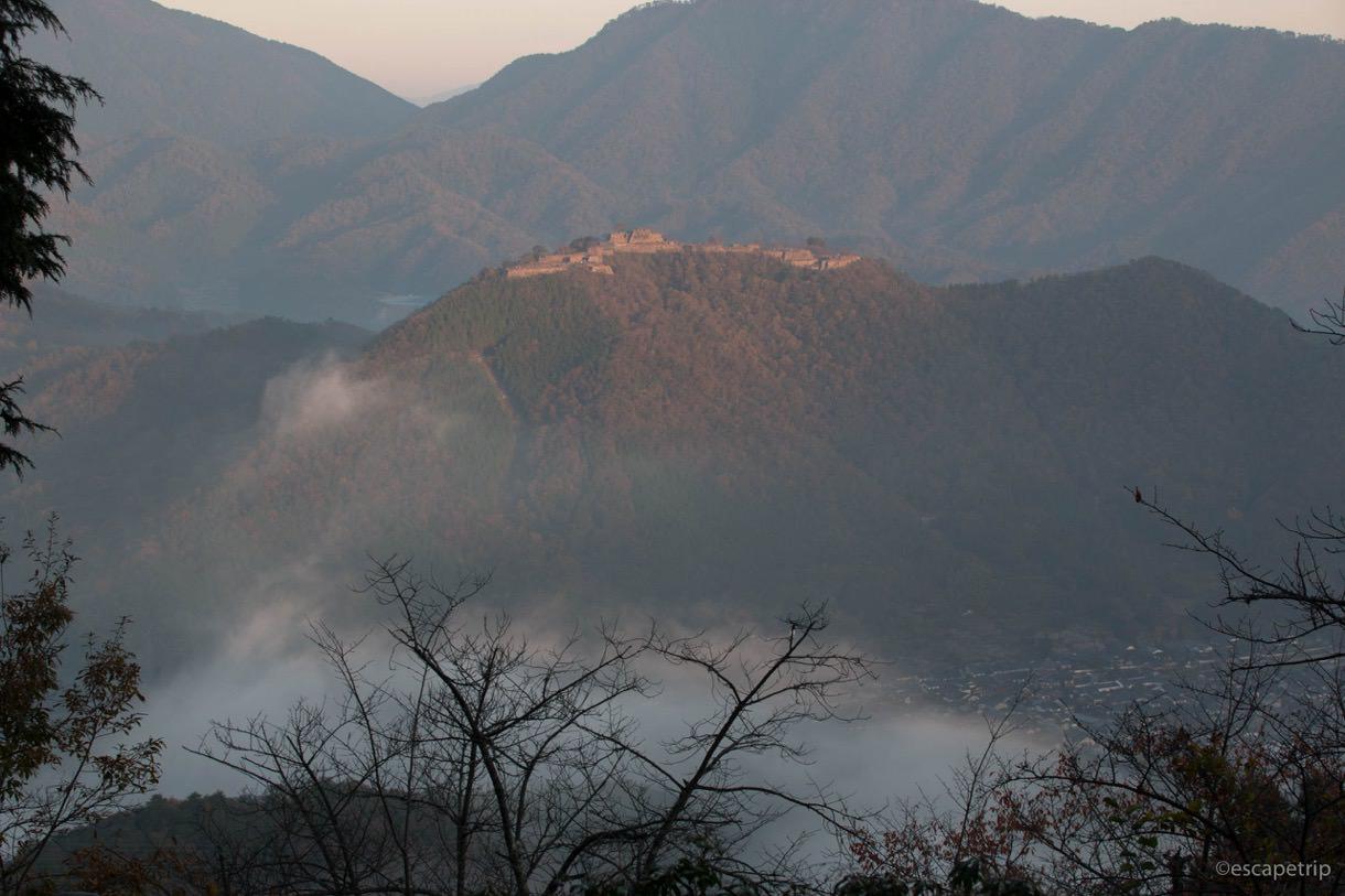 本日最大の雲海に包まれる竹田城