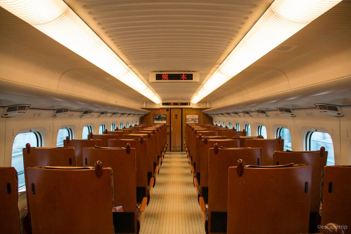 九州新幹線の内装その1
