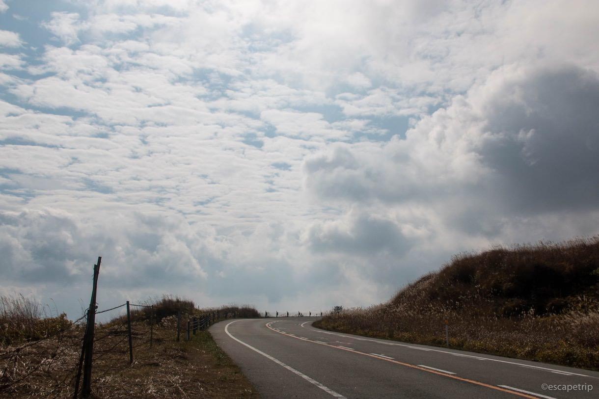 阿蘇スカイラインと雲