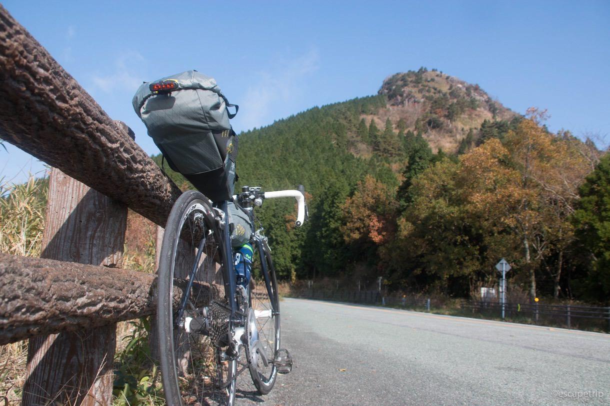 バイクパッキング装備で登る大観峰