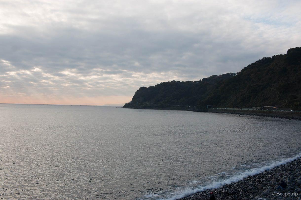 早朝の穏やかな海