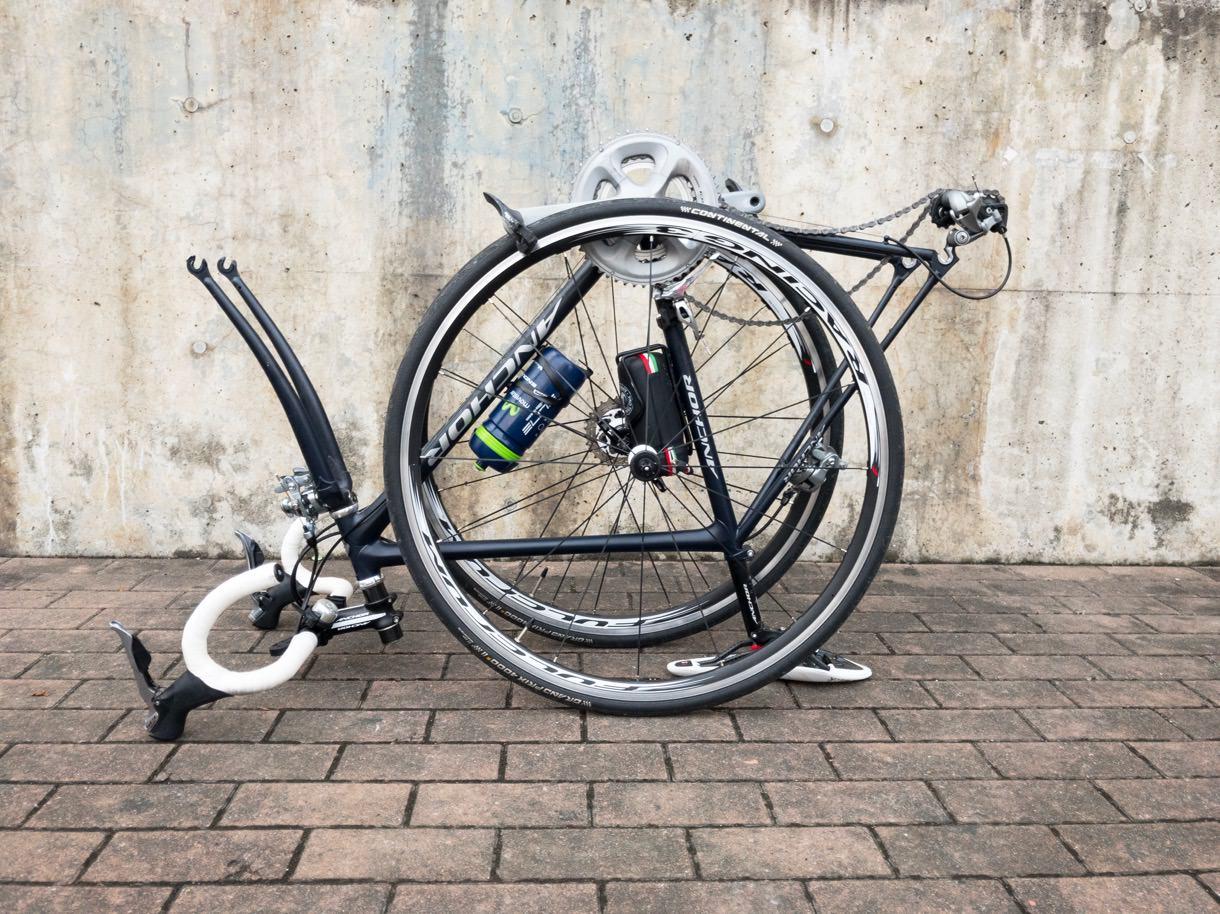 輪行前の状態のロードバイク