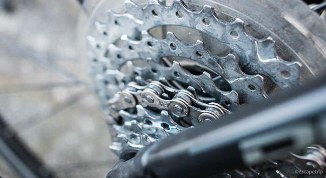 ロードバイクのギア掃除記事のアイキャッチ