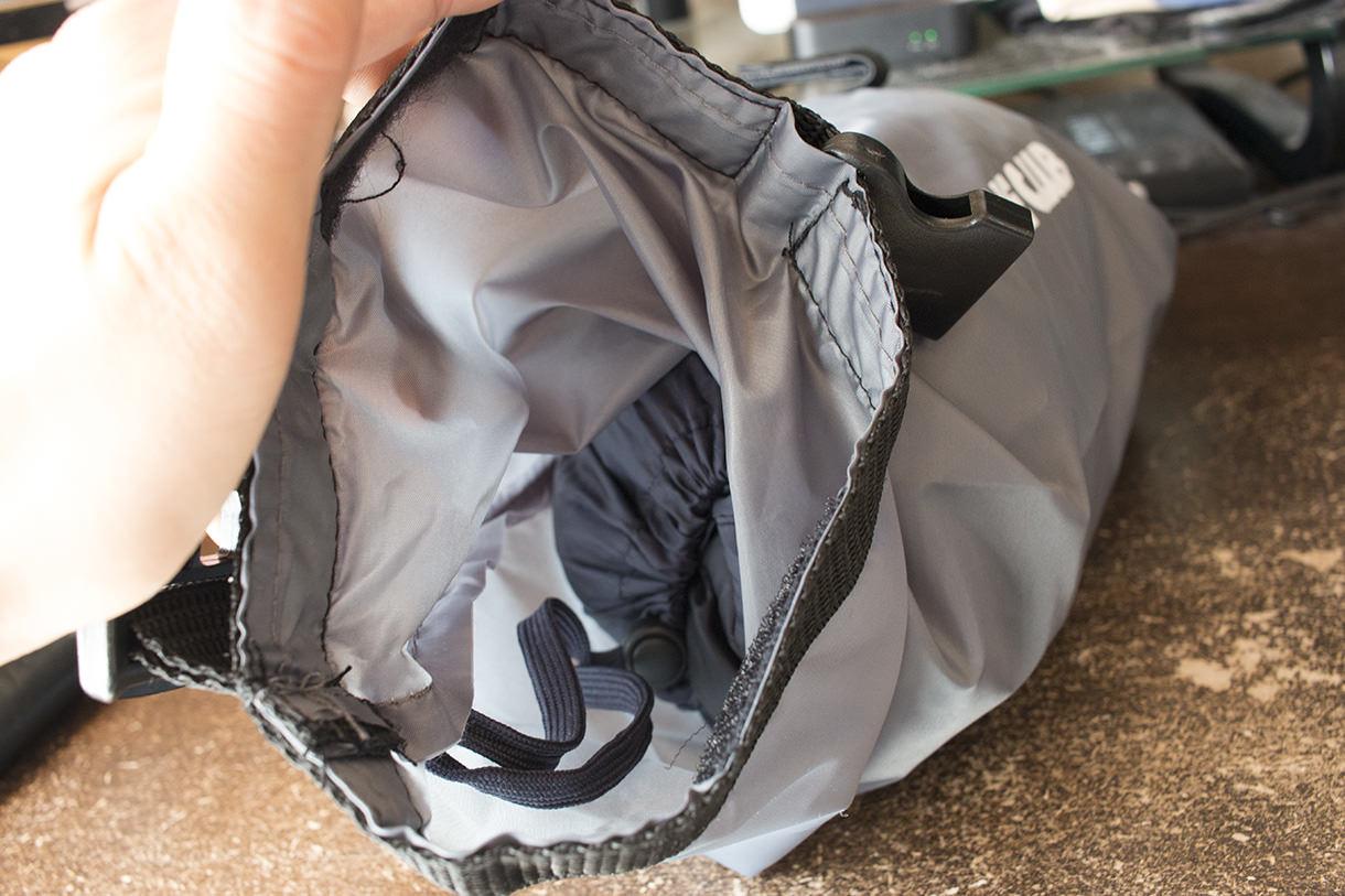 ロールアップ式のフロントバッグ