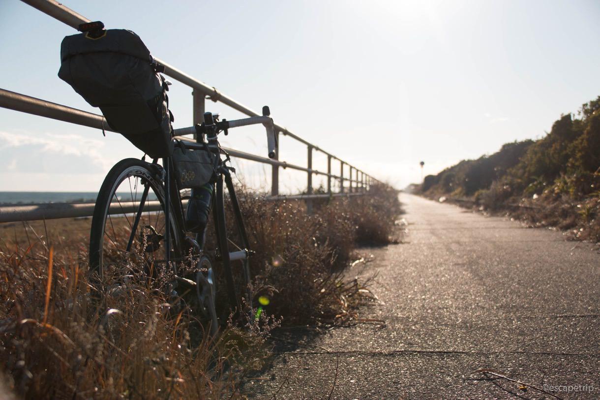 いちご海岸通りと自転車