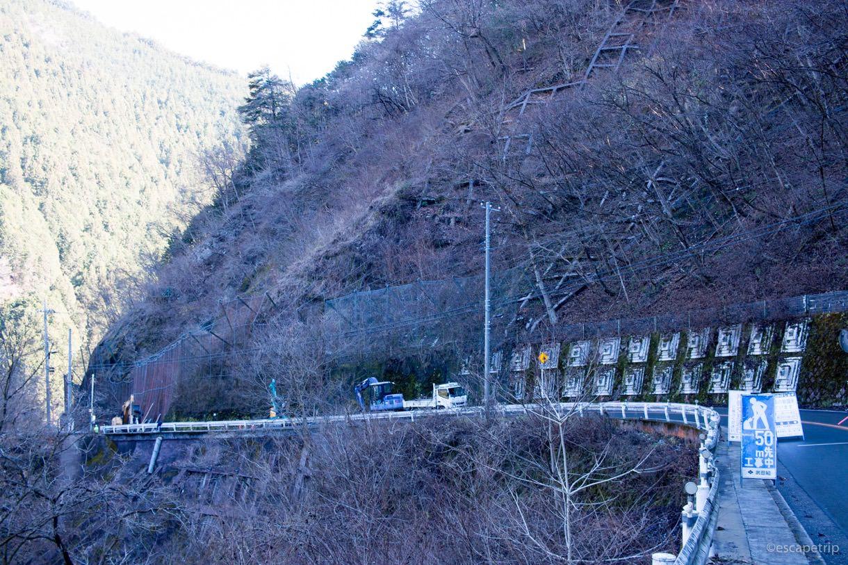都民の森までの道のりにある道路工事