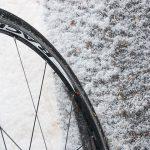 ロードバイクの「冬ウェア・装備」について初心者的まとめ。冬を舐めると泣くことになる(※失敗談込み)