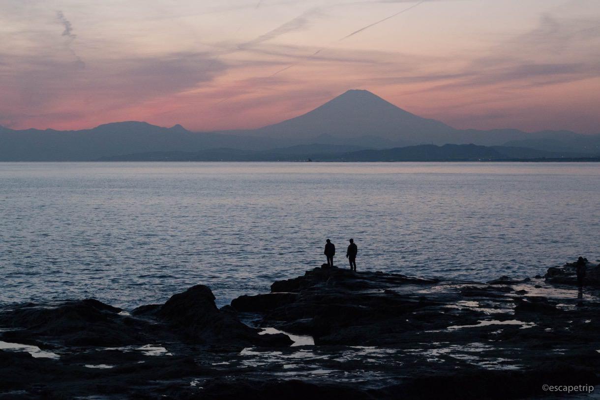 江ノ島から見える富士山のシルエット