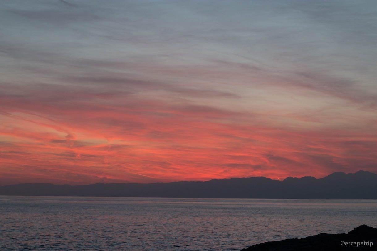 江ノ島の赤い夕焼け