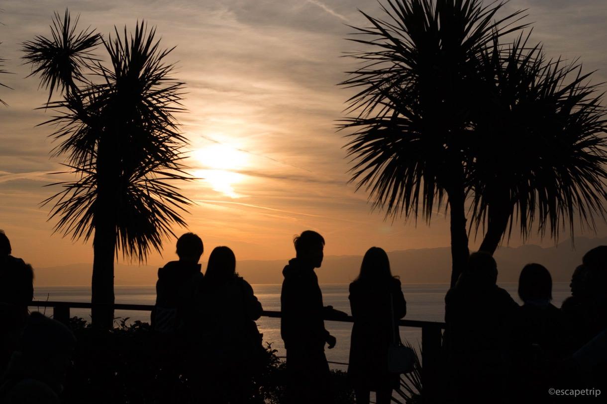 江ノ島の夕焼けとシルエット