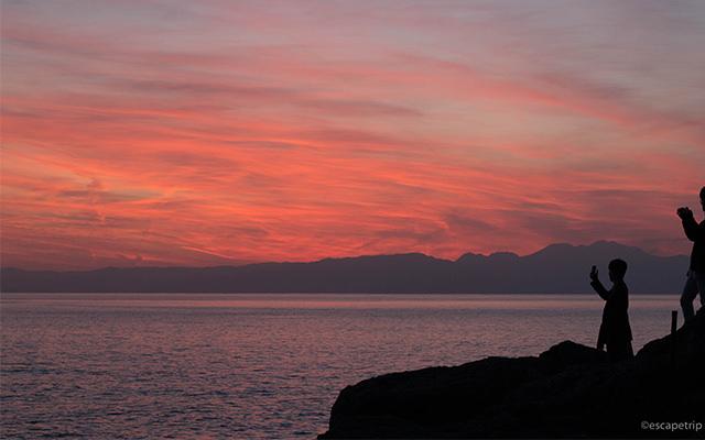 江ノ島の夕焼け記事のアイキャッチ