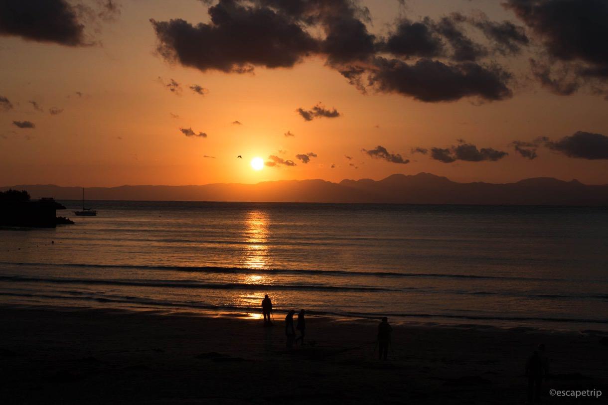 海と夕暮れの写真