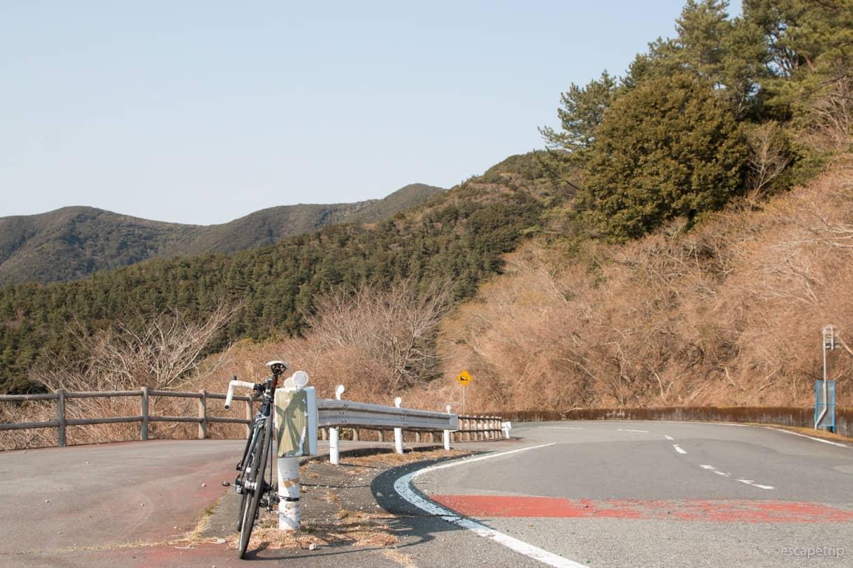 戸田峠からの下り道