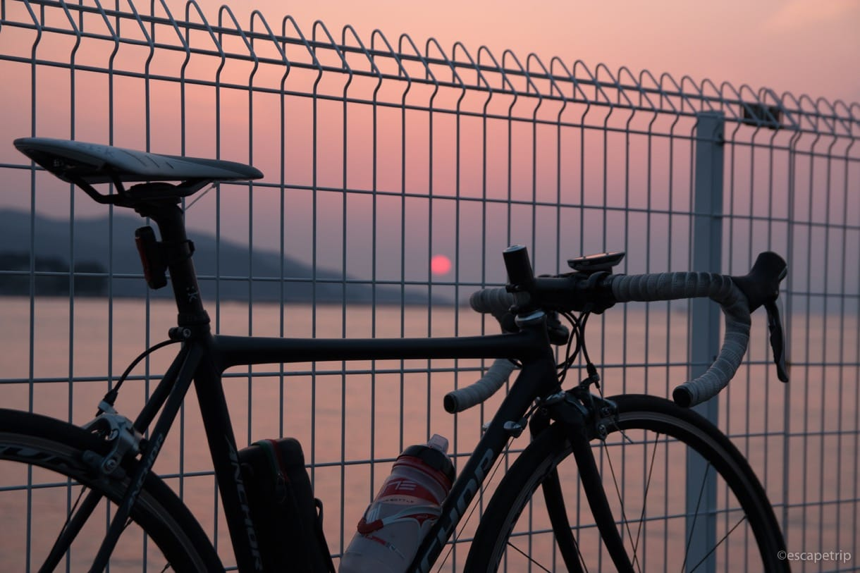 沼津の夕日とロードバイク