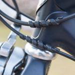 大切な自転車を保護! ケーブルによるフレームの傷を防止するアイテム「ねじねじ」