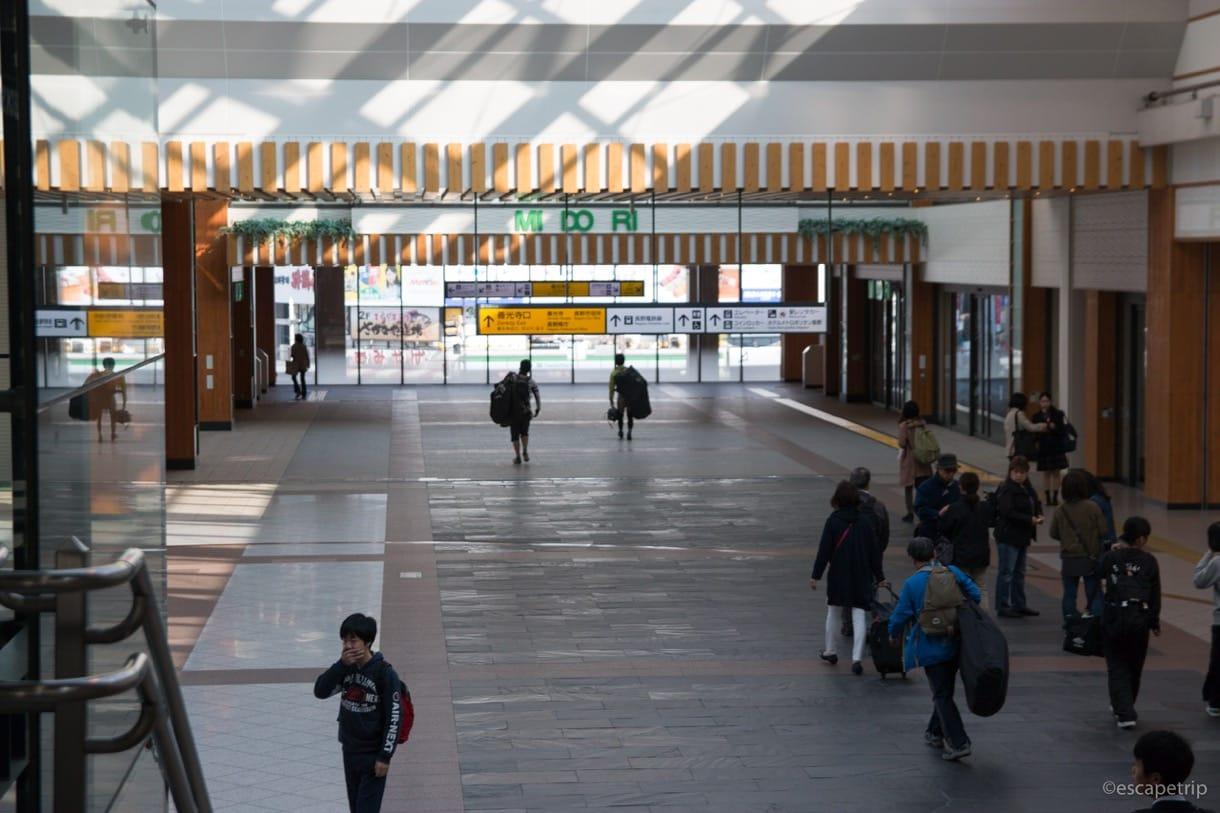 長野駅の構内風景