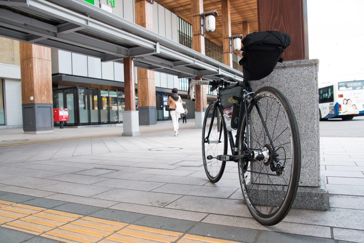 長野駅と自転車