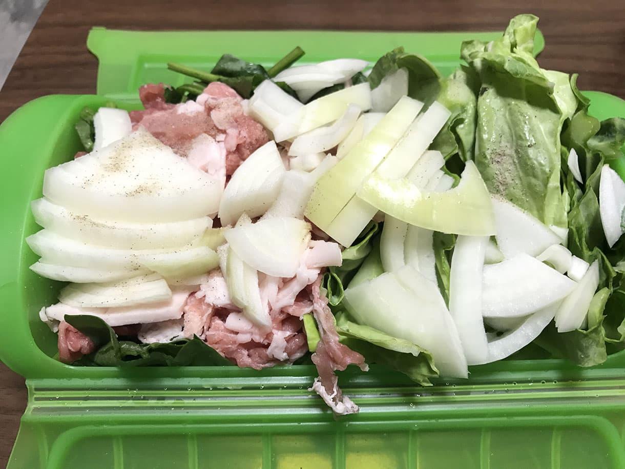 玉ねぎと豚肉とキャベツ