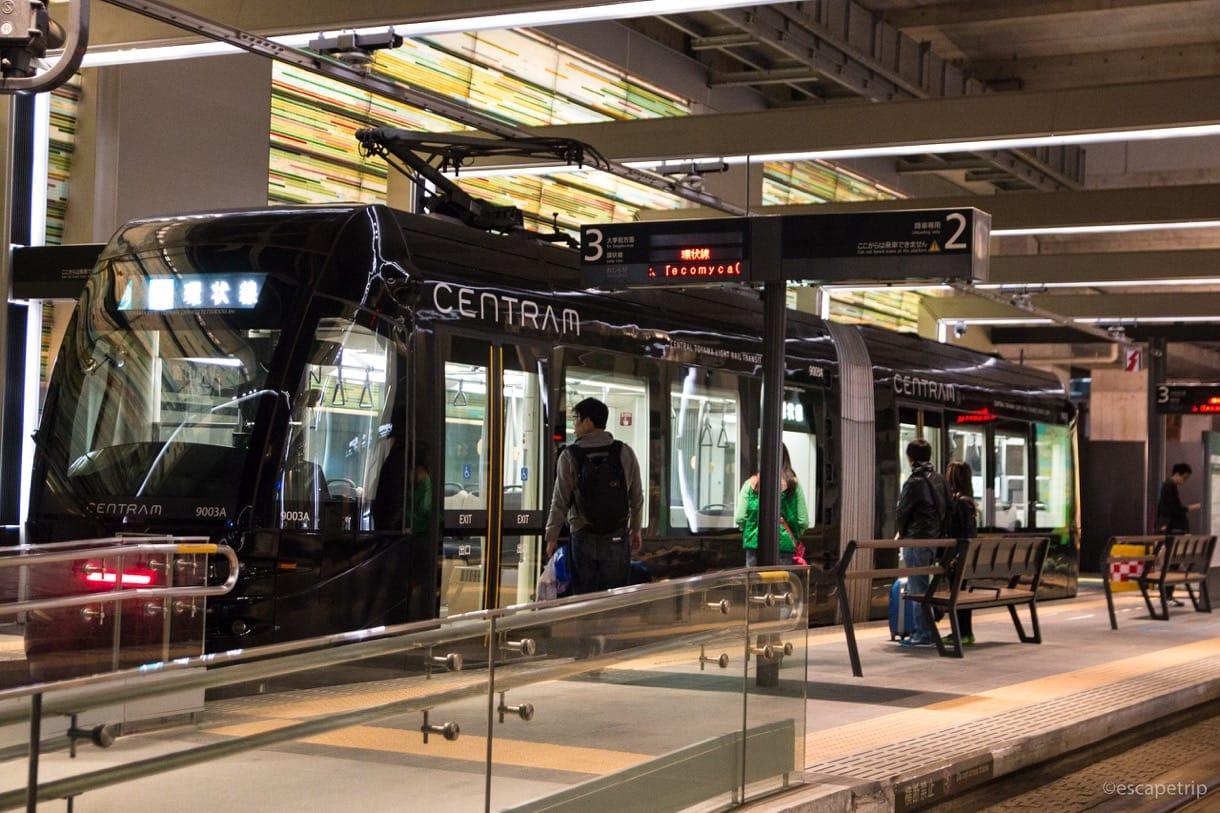 富山駅の路面電車