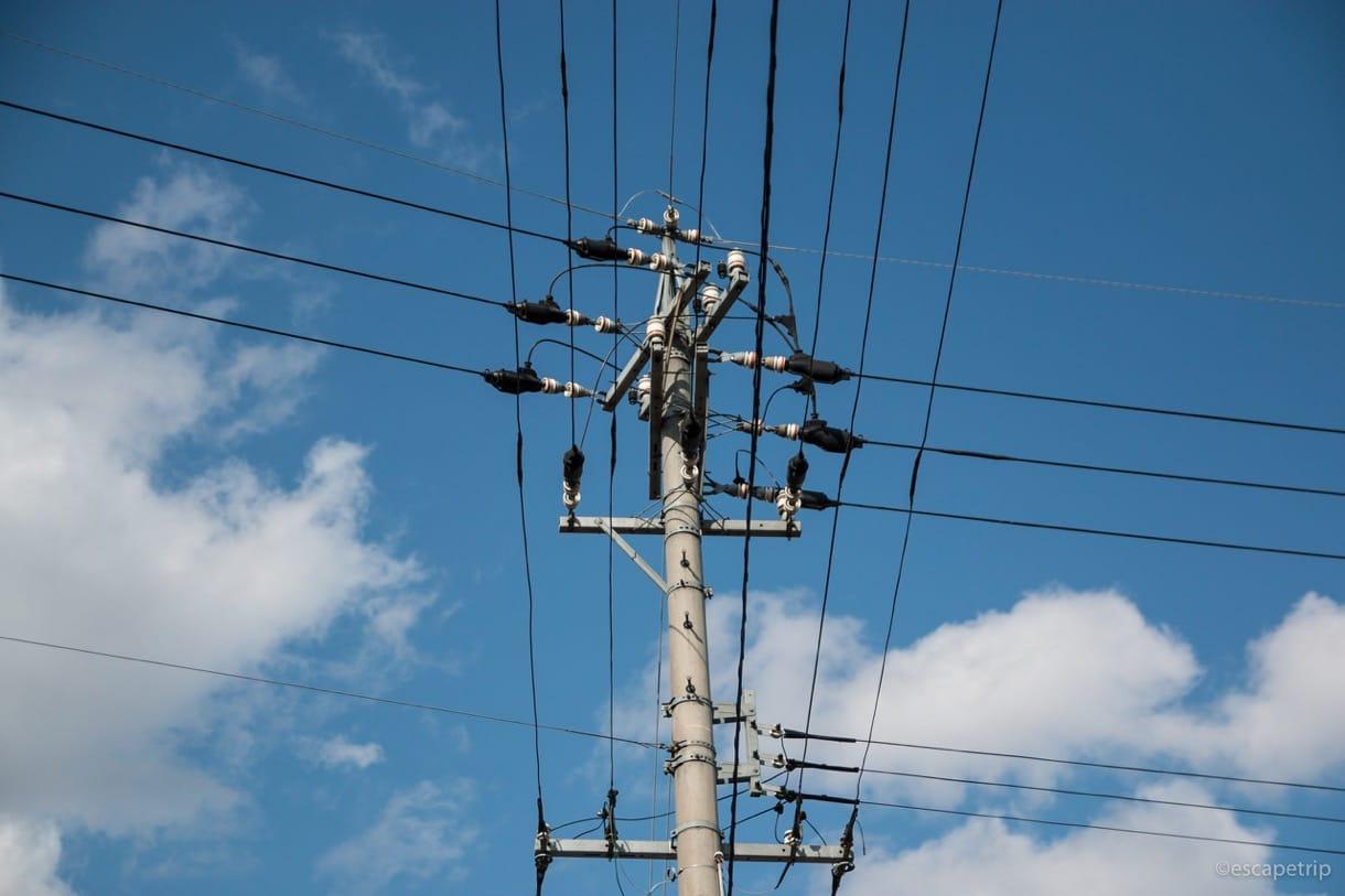 4月中旬の空と電柱
