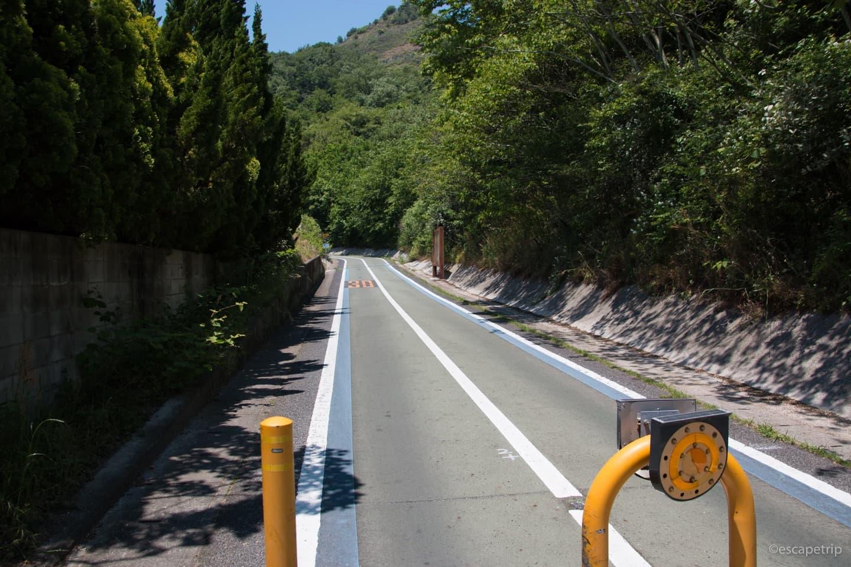 自転車が通る橋の道