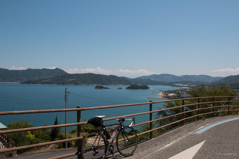 瀬戸内海を臨むサイクリングロード