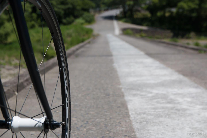 沈下橋とロードバイクのタイヤ