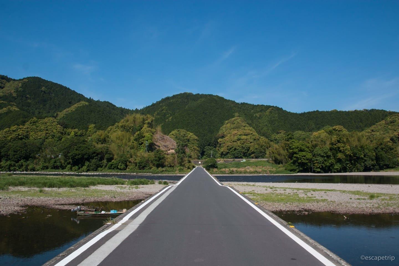 佐田沈下橋の外観