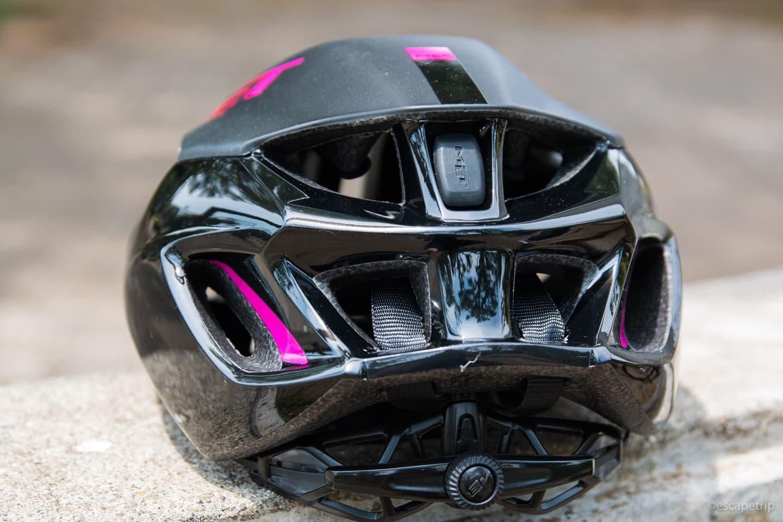 ヘルメット後ろの通気口