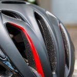 METのヘルメット「リヴァーレHES」レビュー記事のアイキャッチ