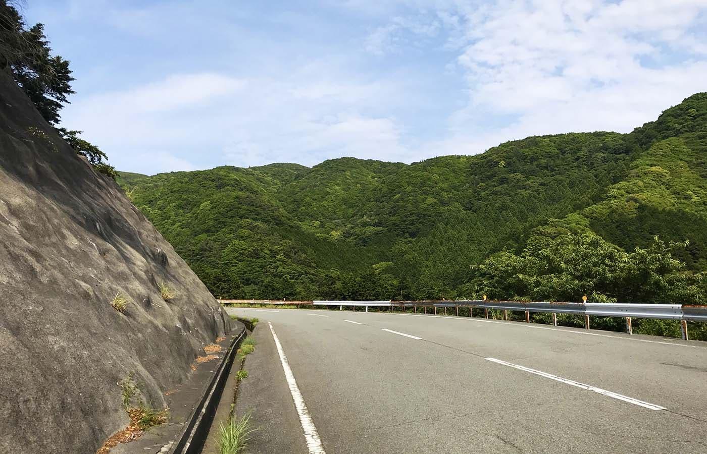 戸田峠をロードバイクで登る