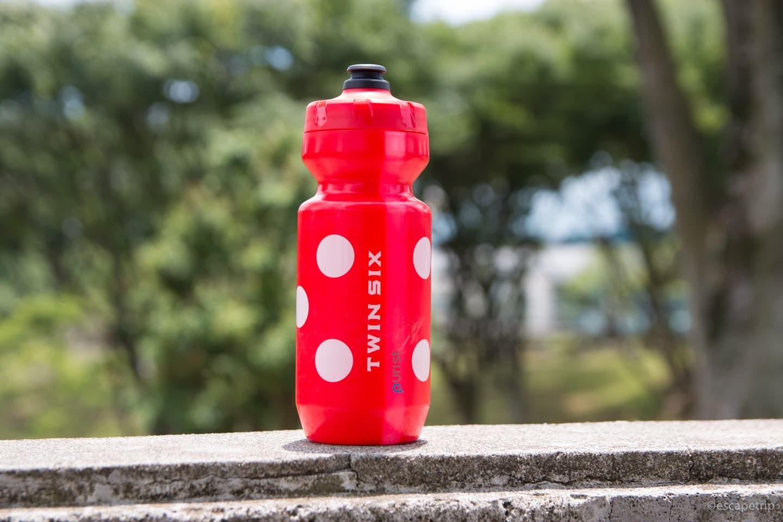 TwinSixの赤いボトル