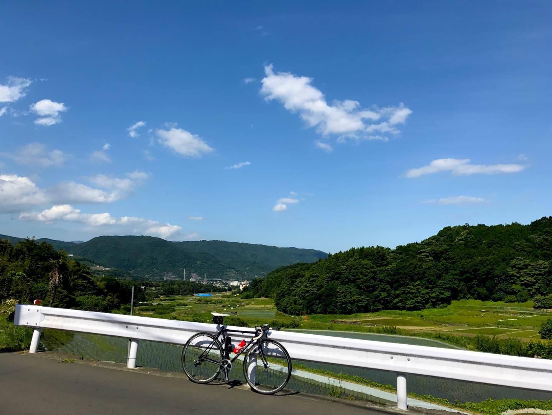 ロードバイクと晴天