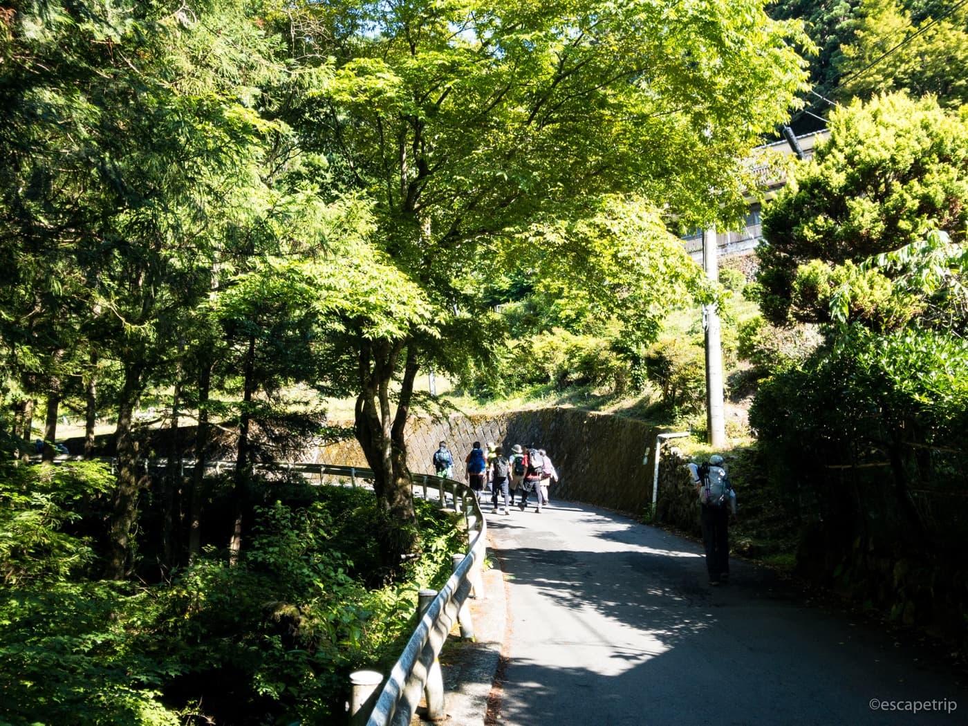 和田峠と登山者