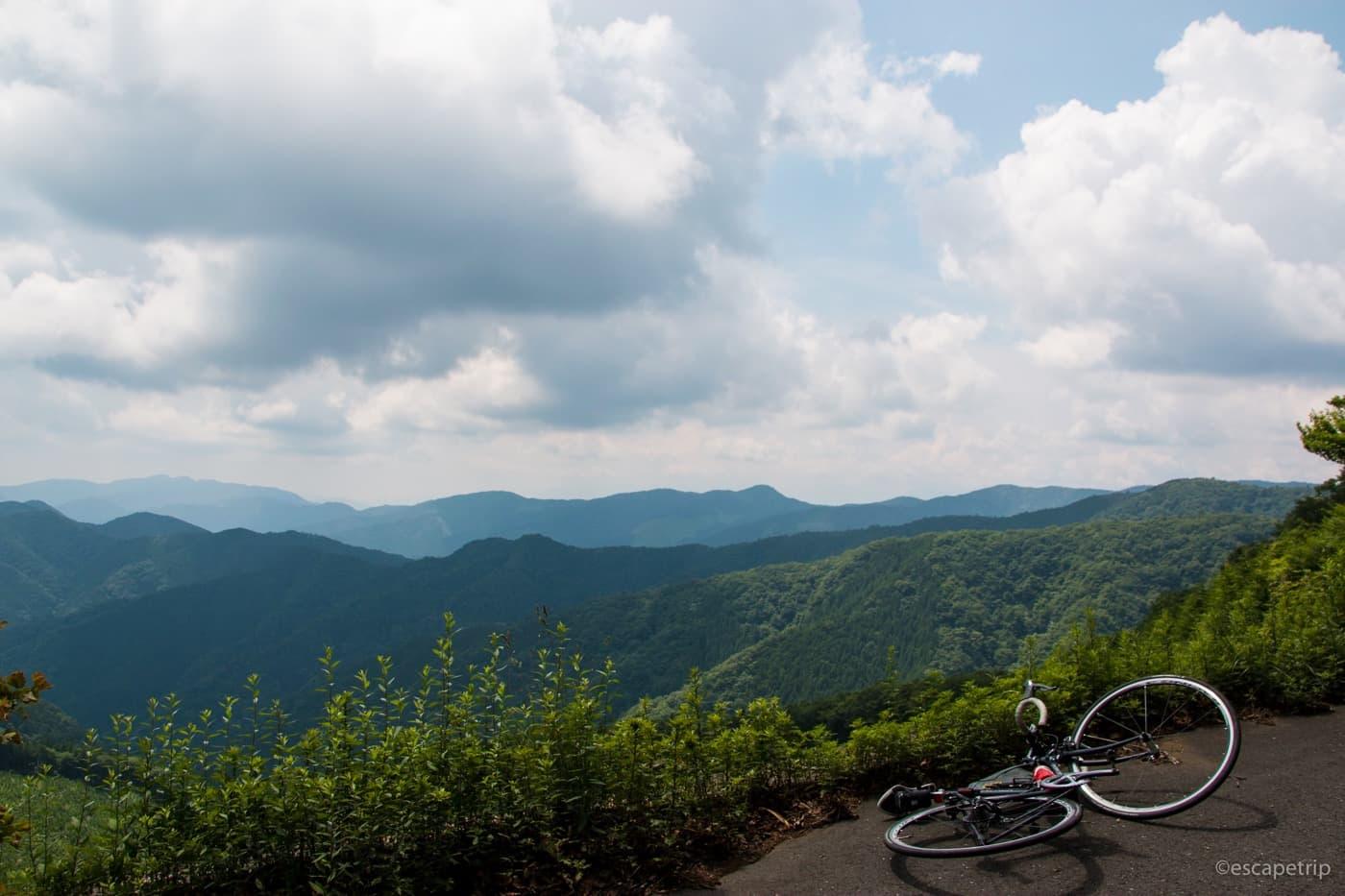 風張林道の頂上の景色